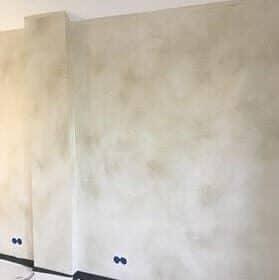 Betonlookverf - inspiratie - muren - beige - licht