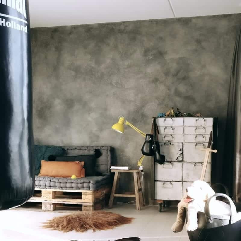 Betonlookverf - inspiratie - kinderkamer - graniet - jongenskamer - mansave